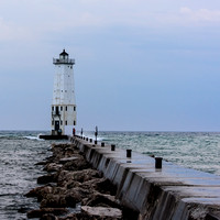 Frankfort-Lighthouse-before-storm-4