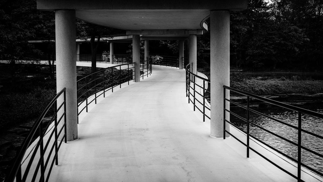 Winding-Walkway