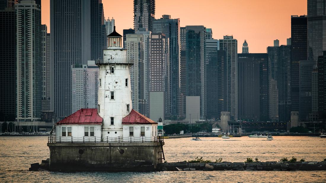 Chicago-Harbor-Lighthouse
