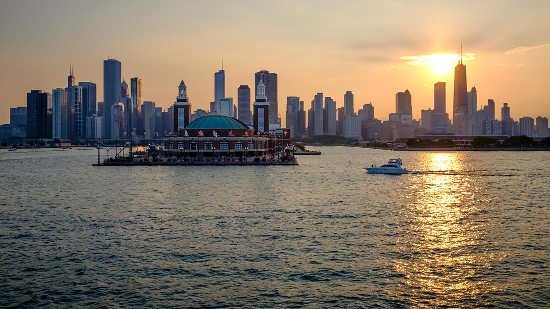 Navy-Pier-Chicago-Skyline