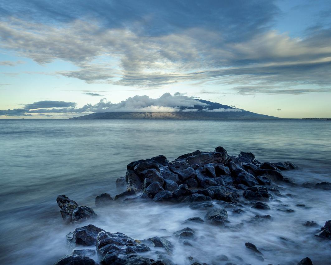 Morning-view-across-Maalaea-Bay-2048